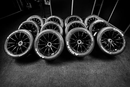 Rowe Racing Reifen Advan Yokohama